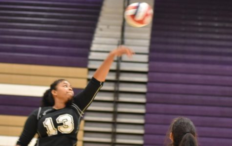 Girls Volleyball falls to Mojave in three