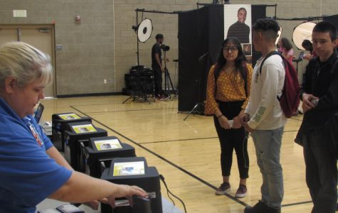 Seniors Will Get A Chance To Take Senior Portraits On Campus