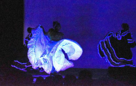 Folklorico Dazzles In Dimmed Lights