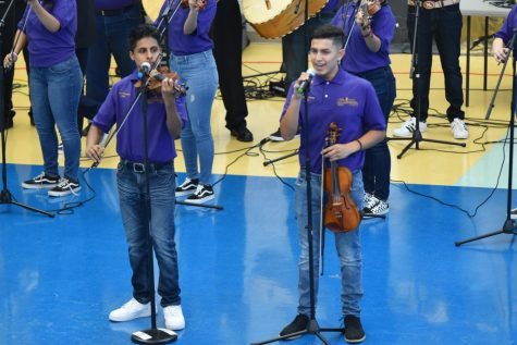 Mariachi Amanacer Under New Pair Of Leaders