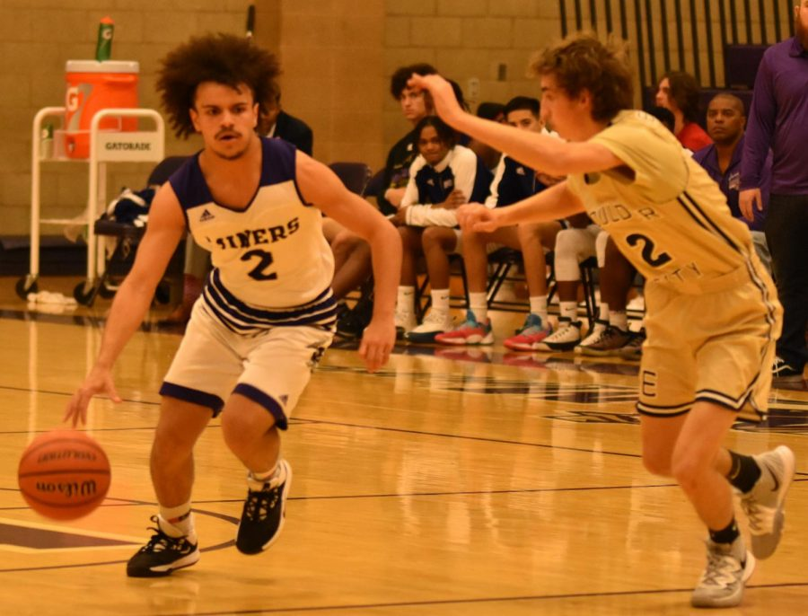 Boys Basketball Splits Week With SLAM, Eldorado